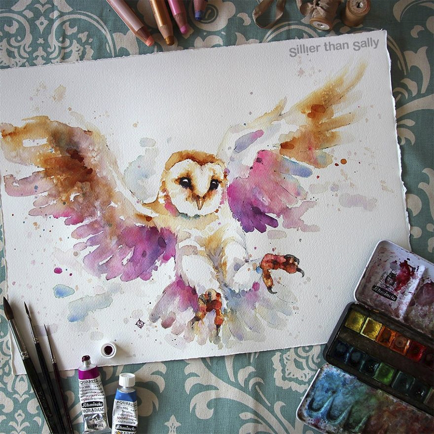 01-Barn-Owl-Sally-Walsh-sillierthansally-Watercolour-Portraits-Paintings-of-Wildlife-www-designstack-co