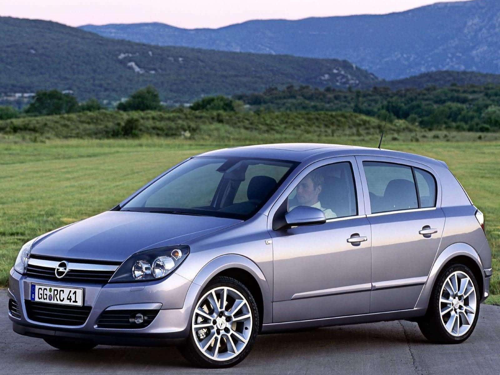 car and car zone opel astra 2004 new cars car reviews. Black Bedroom Furniture Sets. Home Design Ideas