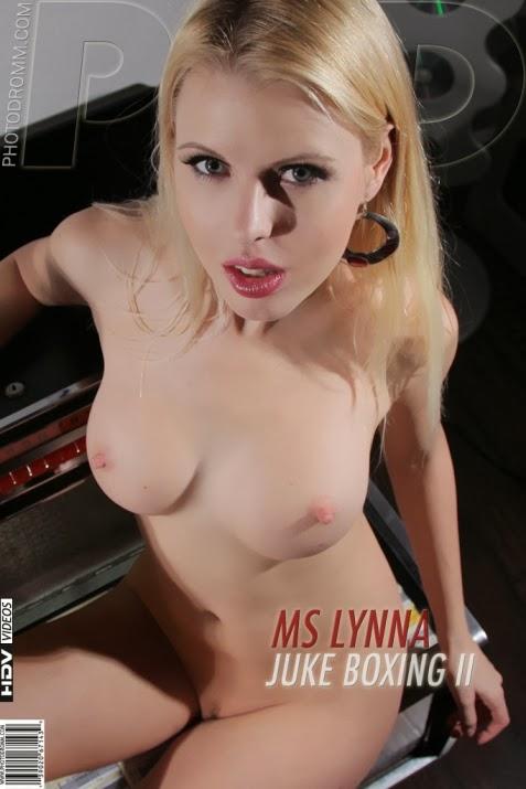 MS_Lynna_Juke_boxing_2 PhDromm2-16 MS Lynna - Juke boxing 2 06280