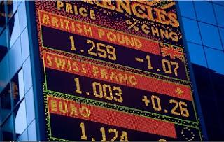 Эксперты ожидают падение фунта до 30-летнего минимума в случае Brexit