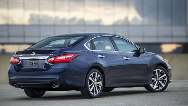 2016 all new Nissan Altima redesign back view