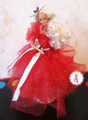 Кукла блондинка барби в красном пышном платье 1988 года