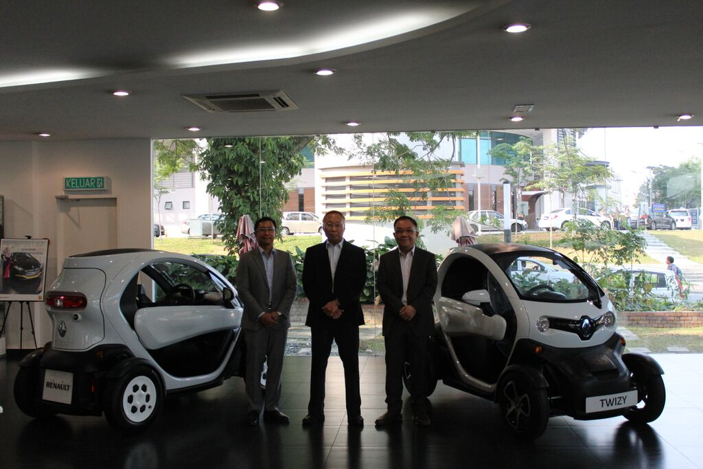 Motoring Malaysia Renault Twizy Electric Car Launched In Malaysia