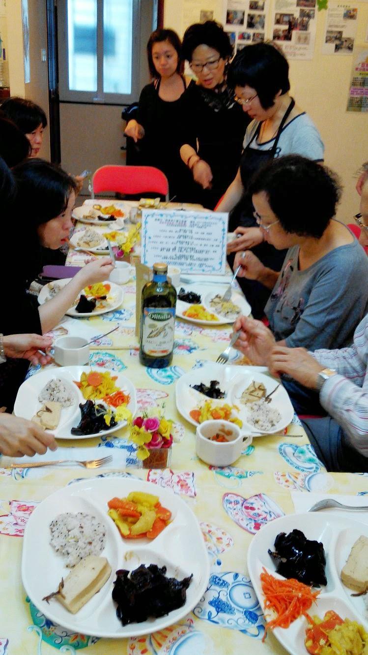 盈康社 [醫療 / 健康諮訊 / 心靈分享]: 熱食果汁養生食療(剪影)2014 -4-26