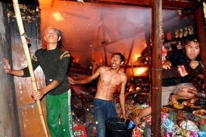 Pasar Tradisional Krian Sidoarjo Terbakar