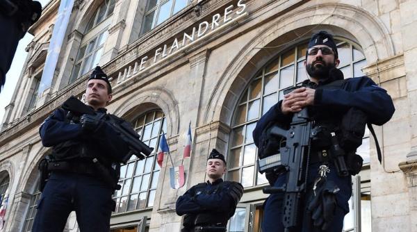 Francia extiende estado de excepción hasta julio de 2017