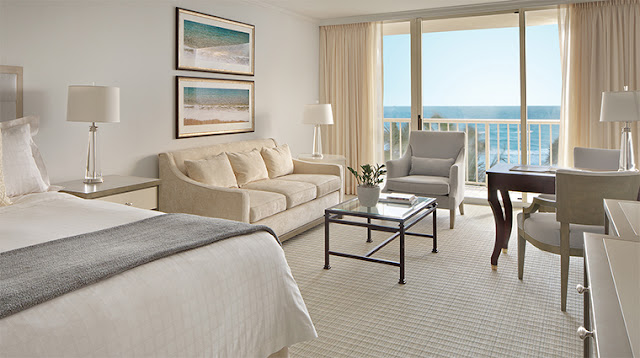 Four Seasons Resort Palm Beach is a five-star hotel nestled on a beautiful, expansive beach in Florida. Immerse yourself in a chic and classic luxury resort.