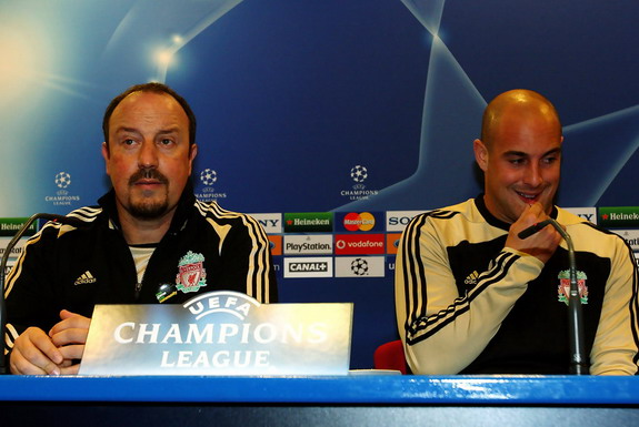 Pepe Reina will be reunited with former Liverpool manager Rafa Benítez at Napoli
