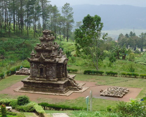 Tinuku.com Travel Gedong Songo temples in Bandungan, mysterious ruins the nine buildings on slopes of Mount Ungaran