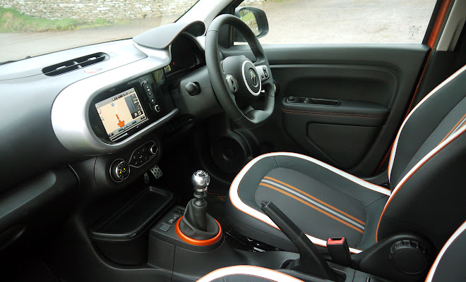 Renault Twingo GT front interior