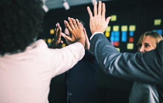 8 Tips Membangun Tim Kerja Efektif dan Solid