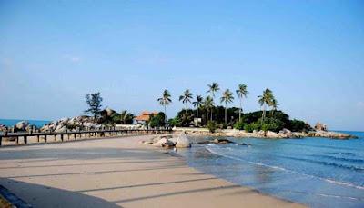 Pantai-Tanjung-Kasuari
