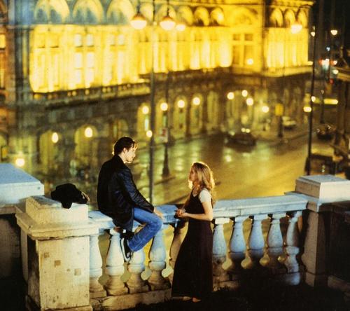 3 ταινίες που θα σε κάνουν να αγαπήσεις το Παρίσι