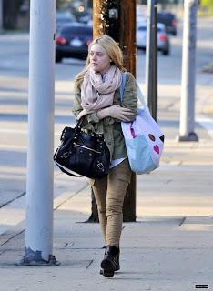 dc34ff3642 Celebrity Fashion Designer Handbags   Black Balenciaga City Mini ...