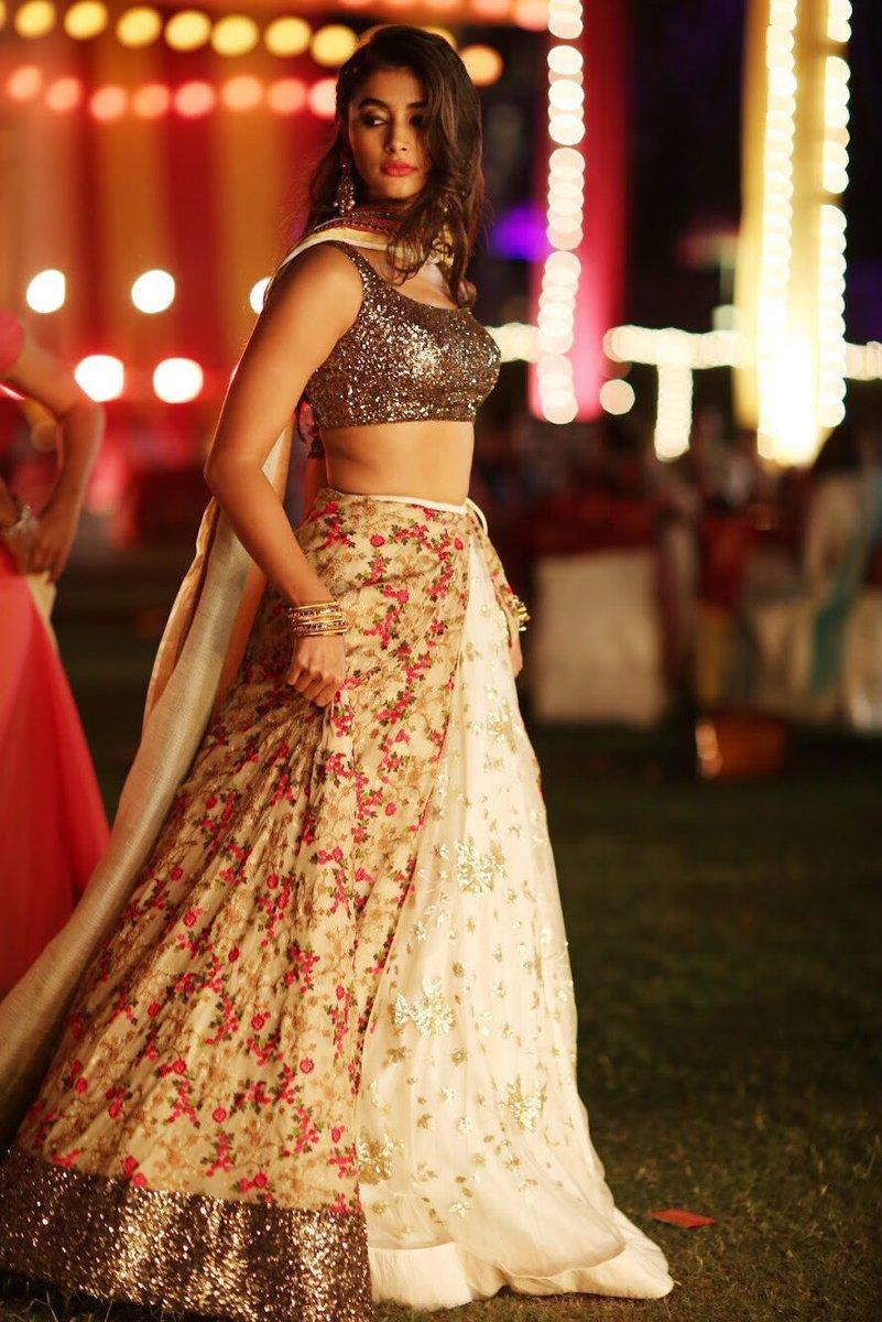 Pooja Hegde Duvvada Jagannadham Movie Hot Stills