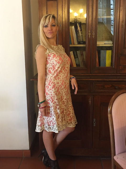 outfit pizzo outfit abito pizzo outfit primavera estate 2018 abito gloria bellacchio mariafelicia magno fashion blogger colorblock by felym fashion blogger italiane fashion bloggers italy lace dress how to wear lace dress