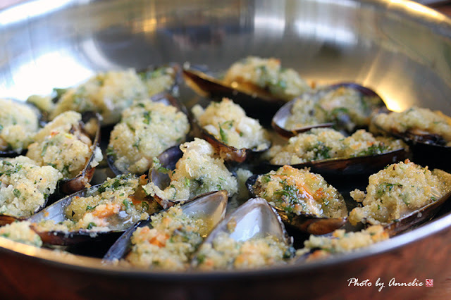 Vitlöks gratinerade blåmusslor med parmesan