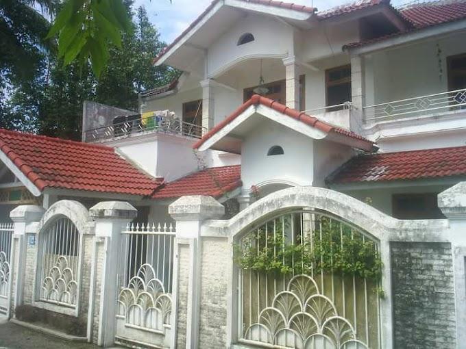 Rumah 2 Lantai dan Kost Tanah Luas selatan Kampus UII Jl. Kaliurang