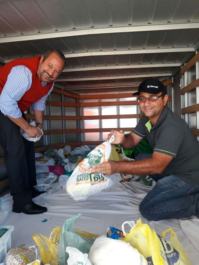 Young Night Sicredi arrecada mais de 2 toneladas de alimentos para a UOPECCAN