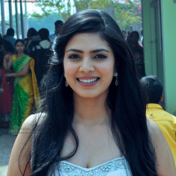 Malavika Mohanan latest photos from Archana Kavi marriage and reception