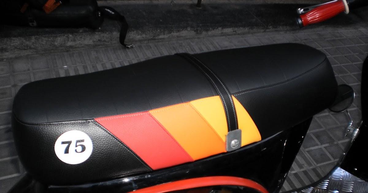Un tapizado de vespa nico tapizar asiento moto en barcelona for Tapizar asientos coche barcelona