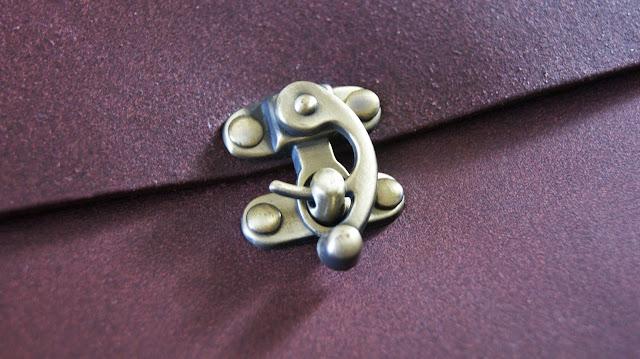 Yoshi Whittle Fig Leather Shoulder Bag Clasp