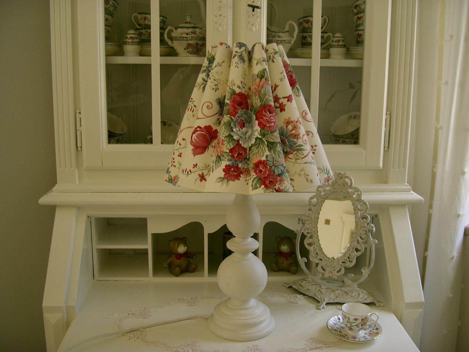 petit wohnkultur lampenschirme im shabby und landhausstil. Black Bedroom Furniture Sets. Home Design Ideas