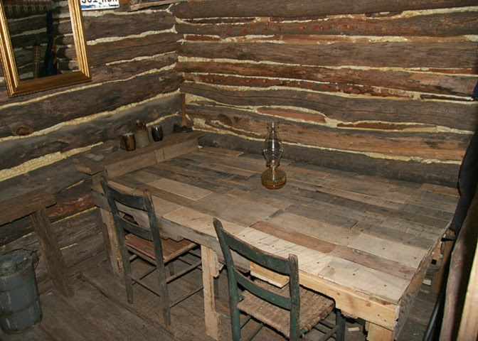 House Of Fallen Timbers Fun With Pallets