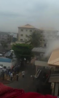 Video: Fire outbreak at Oba of Lagos' palace and Nigerian's react