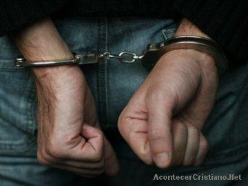 Cristianos arrestados por predicar el Evangelio