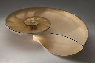 Наутилус – оригинальный стол для поклонников эксклюзивного дизайна