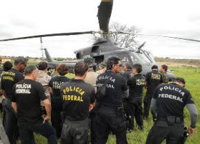 Ação da Polícia Federal assusta políticos, que correm para aeroporto