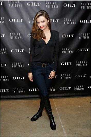 6a57ba10286 Wear a pair of stylish boots and elegant belt to complete this look. Take a  look at how Miranda Kerr rocks this style with knee length shoes.