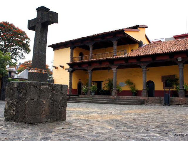 Visita la Huatápera, Michoacán