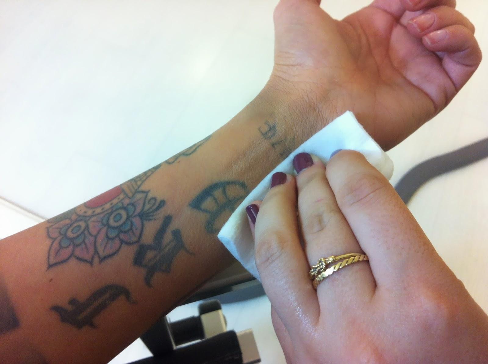 Popolare Come coprire un tatuaggio con il trucco: VICHY Dermablend  VU75