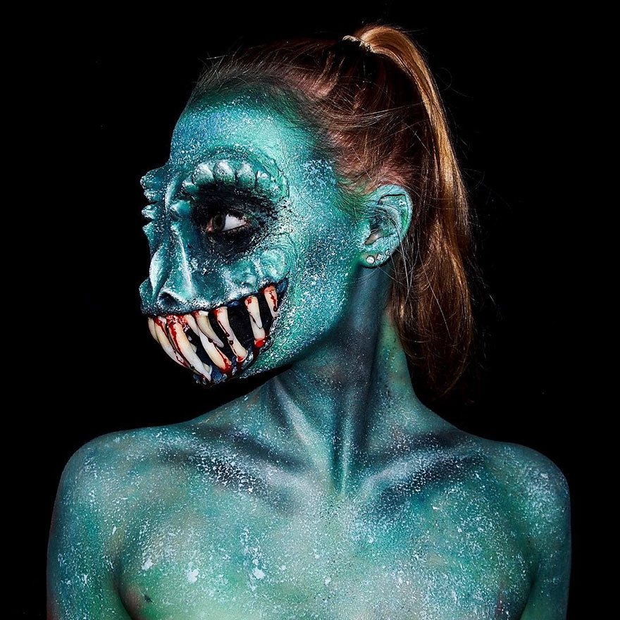 05-Lara-Wirth-Armageddon-Painted-Turning-into-Monsters-with-Body-Painting-www-designstack-co