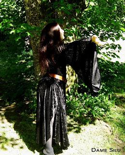 robe noire panne de velours