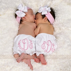 Nama Bayi Kembar Perempuan Dan Artinya