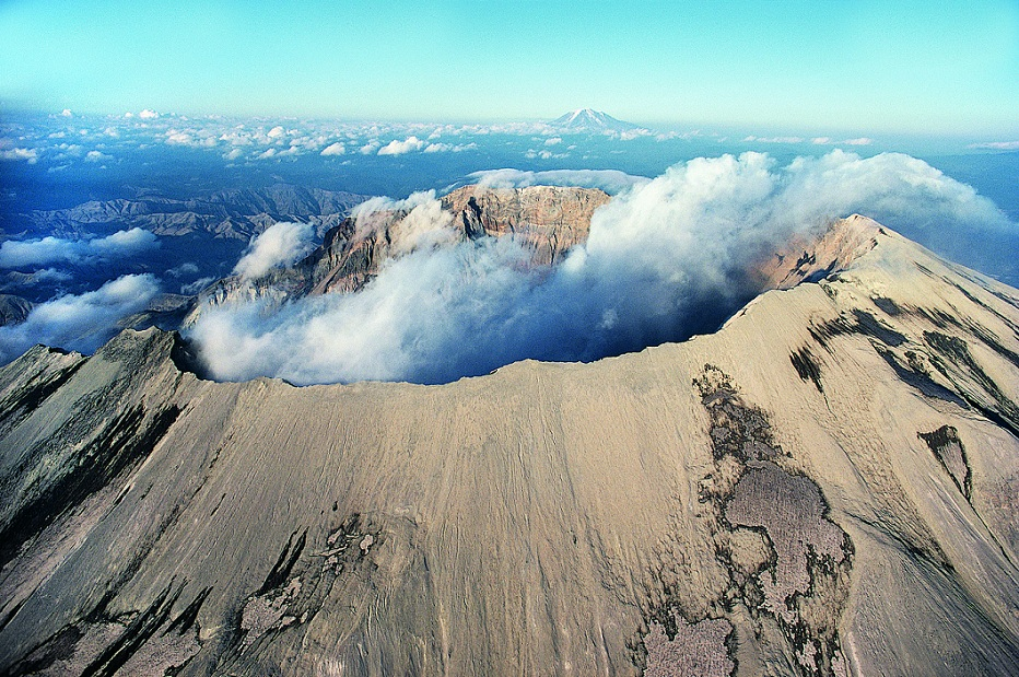 The background information of mt saint helens in washington usa