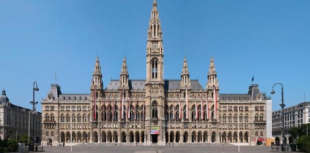 Conhecer o Rathaus em Viena