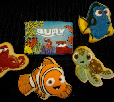 Finding Dory themed party cookies
