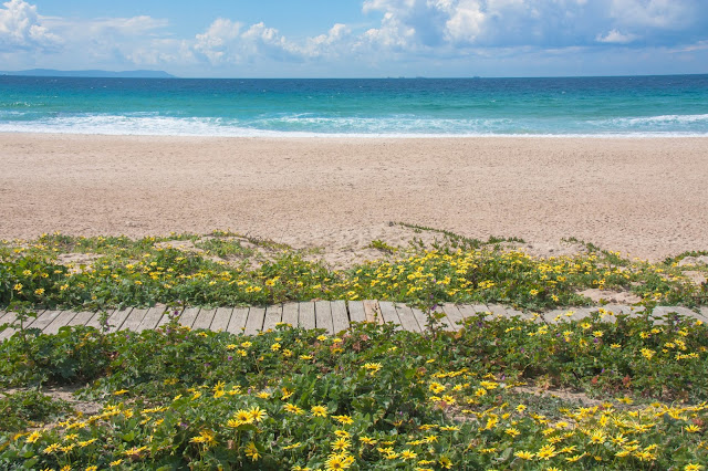 Praia em Tarifa, na Espanha, o berço da Andaluzia