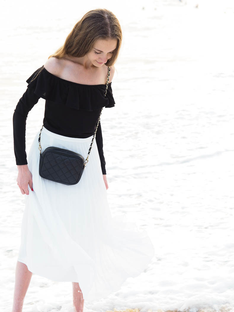 black-and-white-outfit-with-pleated-midi-skirt