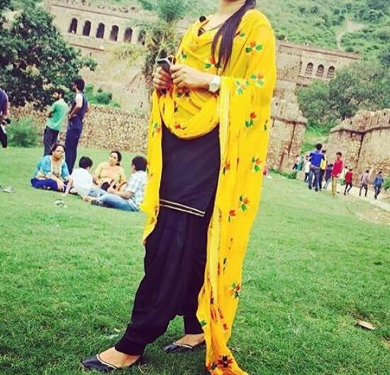 Beautiful Stylish Modern Ghair Salwar Suit Designs