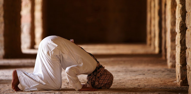 Imam Hambali: Untuk Beribadah tak Cukup Hanya Pakaian Suci, tapi Harus Bersih dan Berkualitas