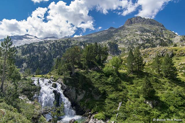 Cascada de Aiguallut por El Guisante Verde Project