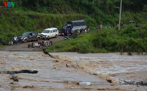Gia Lai: Hàng nghìn hộ dân ở Mang Yang bị cô lập vì nước lũ