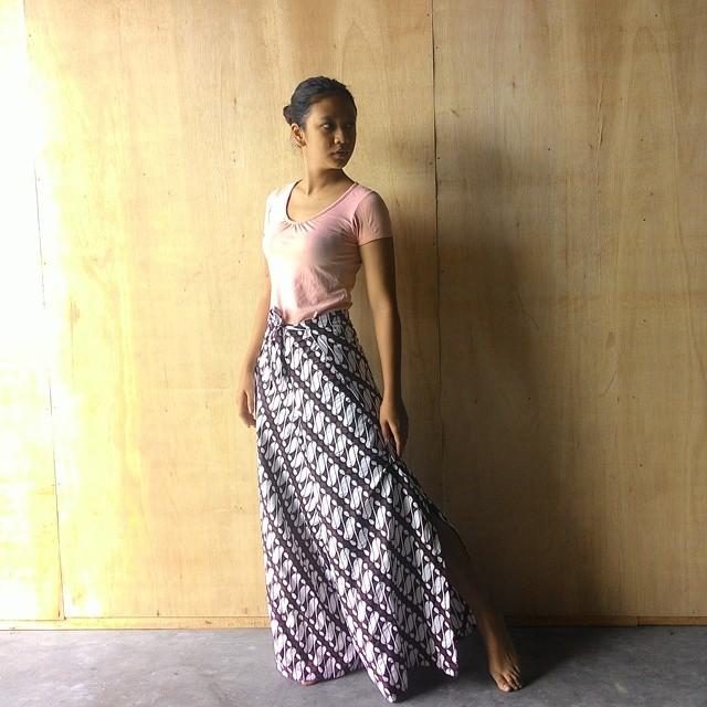 Model Celana Kulot Batik Wanita Terbaru 2016