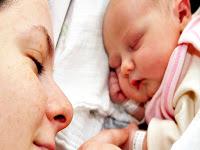 Anne ve Bebek Fotoğrafı