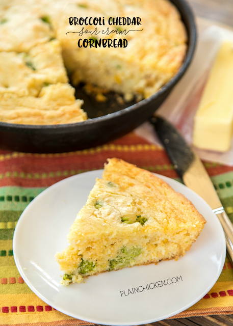 Broccoli Cheddar Sour Cream Cornbread Recipe - only 7 ingredients! Ready in 30 minutes! This is seriously THE BEST cornbread recipe! SO delicious and super easy! Cornmeal, sour cream, creamed corn, eggs, oil, broccoli and cheddar. We love this easy cornbread recipe! Great for potlucks and cookouts. I could make a meal out of it!
